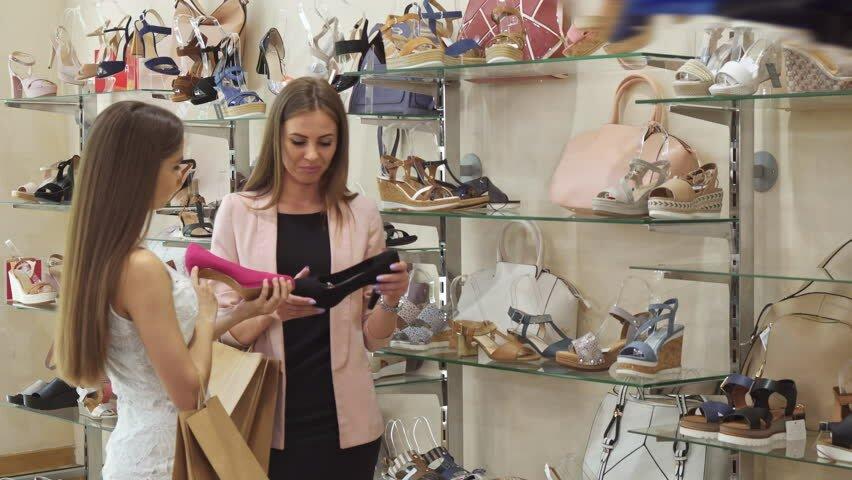 belajar bahasa inggris shoe shop